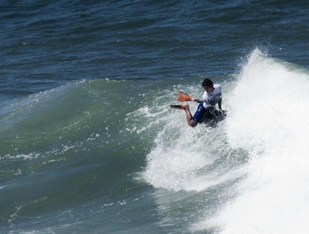 Uri Valadão em ação no Sintra Pro 2011 (Foto: IBA/Collins / Divulgação)