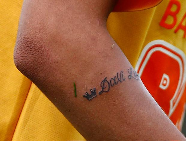 Tatuagem do Neymar (Foto: Luiz Fernando Menezes/Fotoarena)