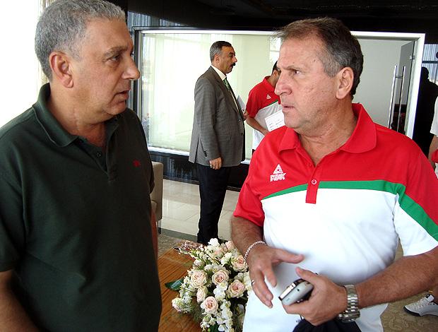 zico ao lado de salam kamil iraque (Foto: Bruno Machado / Globoesporte.com)