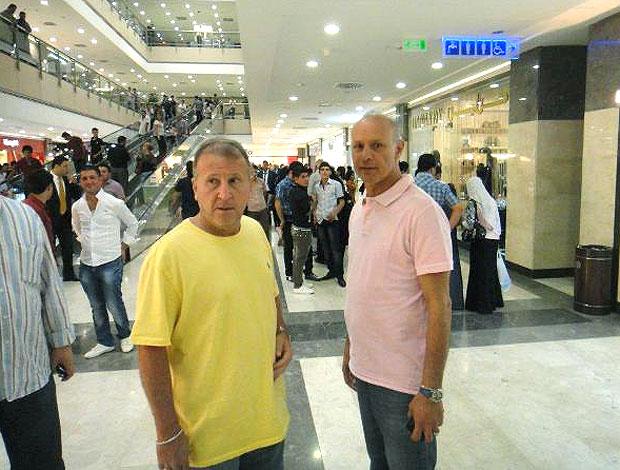 Zico passeia em shopping no Iraque (Foto: Bruno Machado / Globoesporte.com)