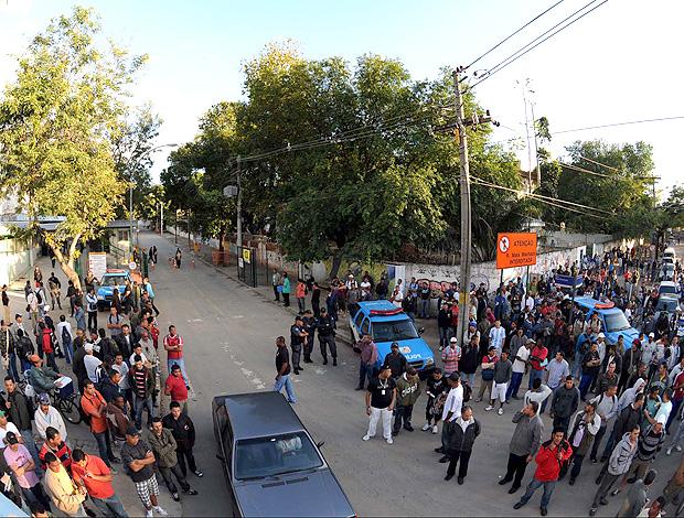 greve funcionários obras maracanã (Foto: André Durão / Globoesporte.com)