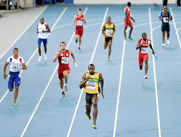 Bolt na vitória do 4x100m (Foto: AP)