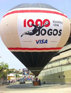 Balão Rogério Ceni jogo 1000 São Paulo (Foto: Marcelo Prado/Globoesporte.com)