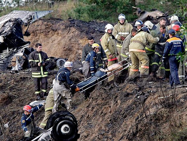 avião com equipe de hóquei cai na Rússia (Foto: AP)