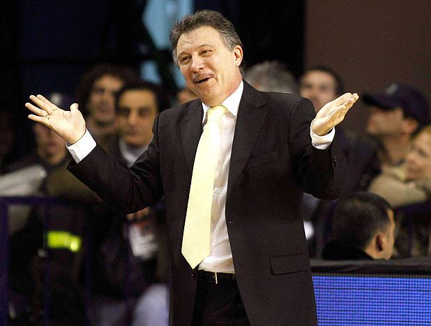 Ruben Magnano basquete brasil x argentina (Foto: Reuters)