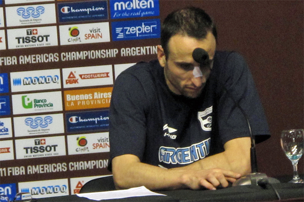Manu Ginóbili na entrevista coletiva Copa América de basquete (Foto: Rodrigo Alves/GLOBOESPORTE.COM)