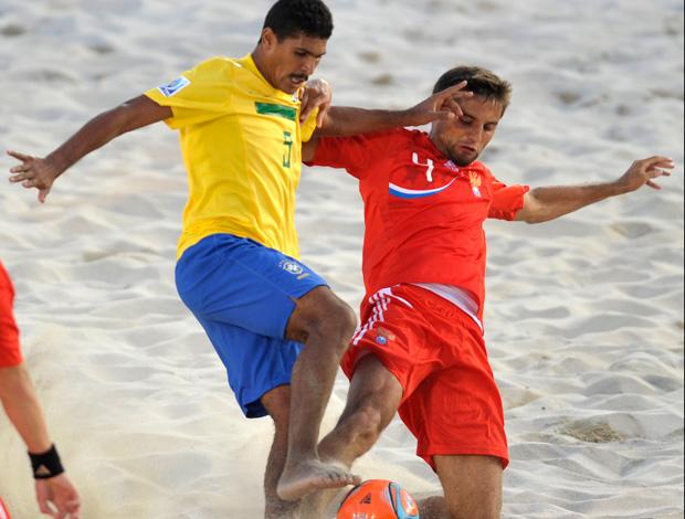 andré brasil rússi futebol de areia (Foto: Agência AP)