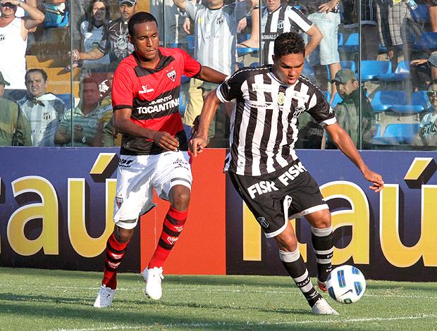 Leonaro Atlético-GO Thiago Humberto Ceará (Foto: Ag. Estado)