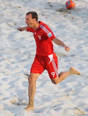 futebol de areia  Shaykov rússia gol brasil (Foto: Agência Getty Images / FIfa)