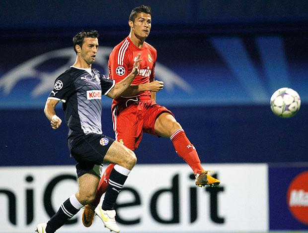 Cristiano Ronaldo no jogo do Real Madrid contra o Dinamo de Zagreb (Foto: AP)