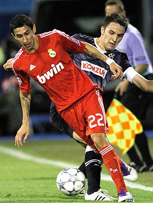 Di Maria no jogo do Real Madrid contra o Dinamo (Foto: AP)