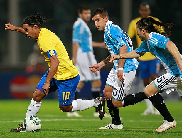 ronaldinho gaúcho brasil x argentina (Foto: AP)