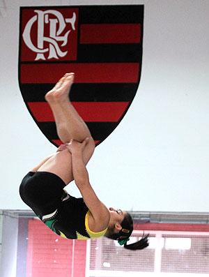Daniele Hypolito no treino de ginástica (Foto: Jorge Wiliam / Agência O Globo)