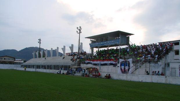 Estádio Robertão, Serra-ES (Foto: Igor Gonçalves/Globoesporte.com)
