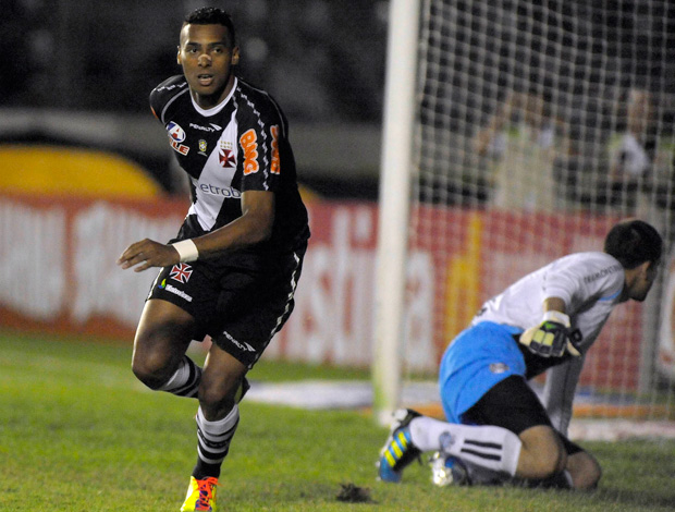 Elton comemora gol do Vasco sobre o Grêmio (Foto: Alexandre Loureiro/Fotocom.net)