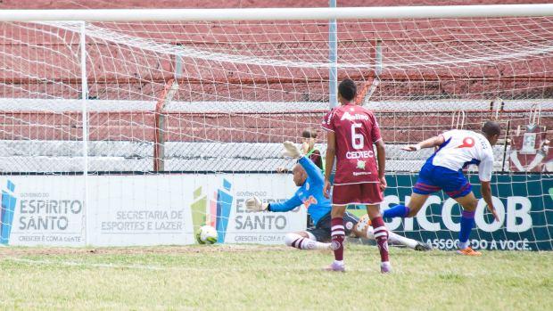 Pablo marca o gol do Capixaba (Foto: Divulgação/Bruno Roas)