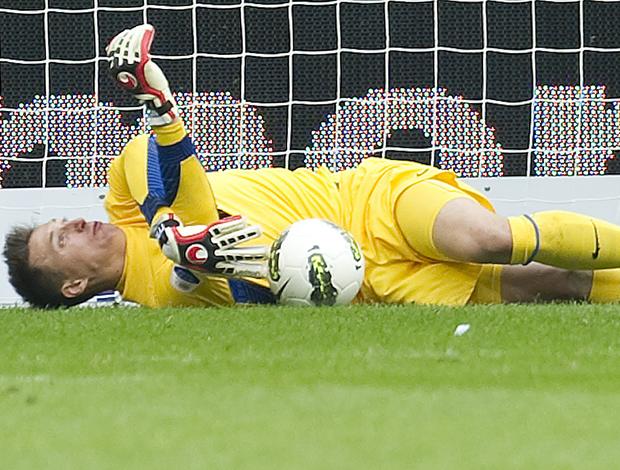 Przemyslaw Tyton goleiro do PSV contusão (Foto: Agência AFP)