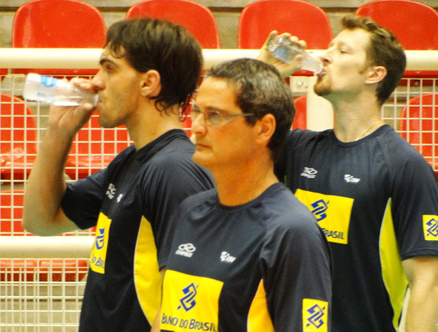 vôlei giba gustavo brasil treino (Foto: Helena Rebello / Globoesporte.com)