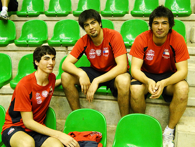 Vicente, Tomas e Matias Parraguirre - volei chile (Foto: Helena Rebello/Globoesporte.com)