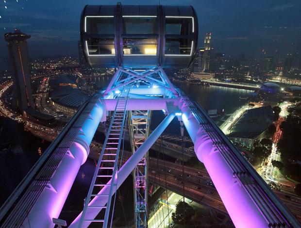 visão noturna gp de cingapura (Foto: Agência EFE)