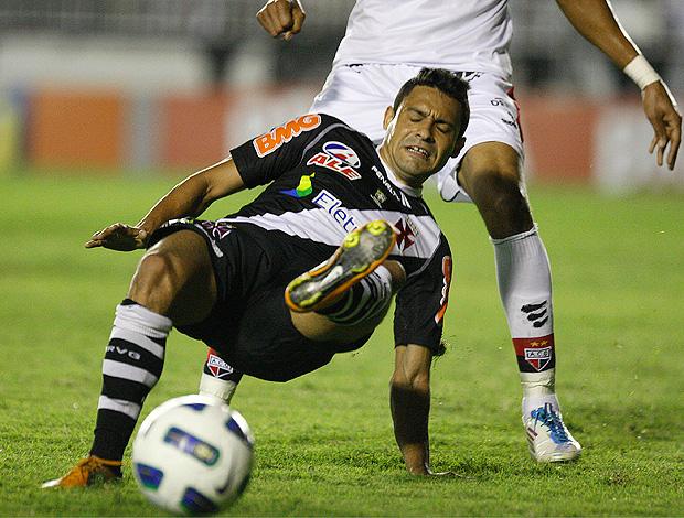 eder luis vasco x atlético-go (Foto: Agência Estado)