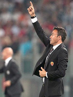 Luis Enrique, técnico do Roma contra o Siena (Foto: AP)