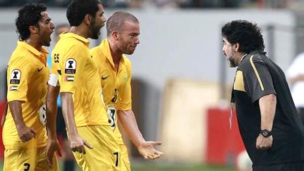 Maradona no jogo do Al Wasl  (Foto: Reprodução)