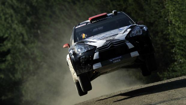Raikkonen com seu carro no Mundial de Rali (Foto: Getty Images)