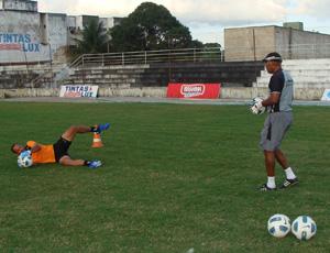 Goleiro Lopes treina no Treze (Foto: Divulgação / Treze)