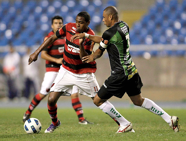 renato abreu flamengo x américa-mg (Foto: Jorge William/Globo)