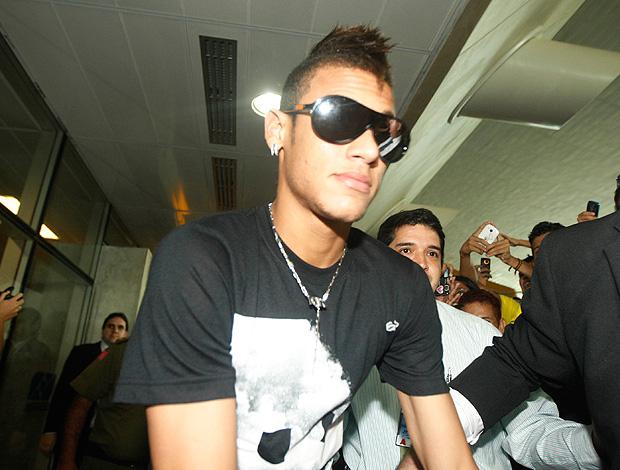 neymar desembarque seleção brasileira (Foto: Agência Estado)