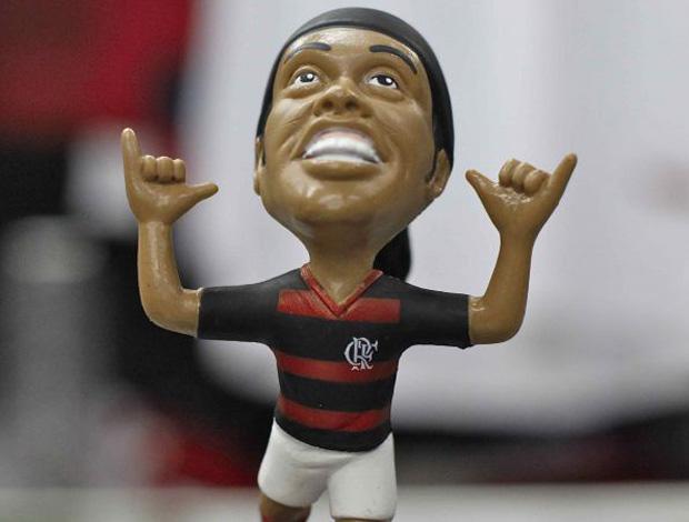 Boneco de Ronaldinho Gaúcho começa a ser vendido (Foto: Divulgação)