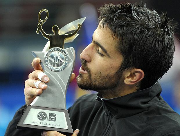 tênis Janko Tipsarevic  troféu (Foto: AFP)