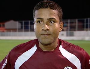 Flávio, atacante da Desportiva Ferroviária (Foto: Reprodução/TV Gazeta)