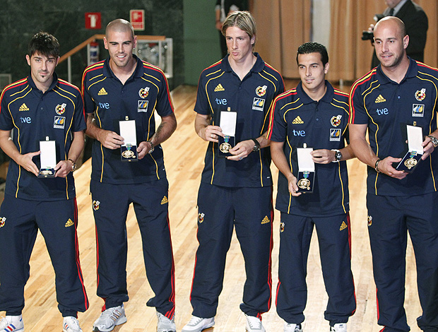 villa, valdes, torres, pedro rodriguez e reina espanha medalha de ouro (Foto: Agência EFE)