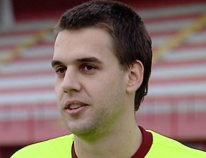 Ygor Tironi, volante da Desportiva Ferroviária (Foto: Reprodução/TV Gazeta)