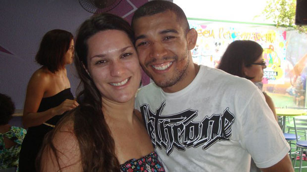 José Aldo com sua esposa, Vivianne Oliveira (Foto: Arquivo Pessoal)