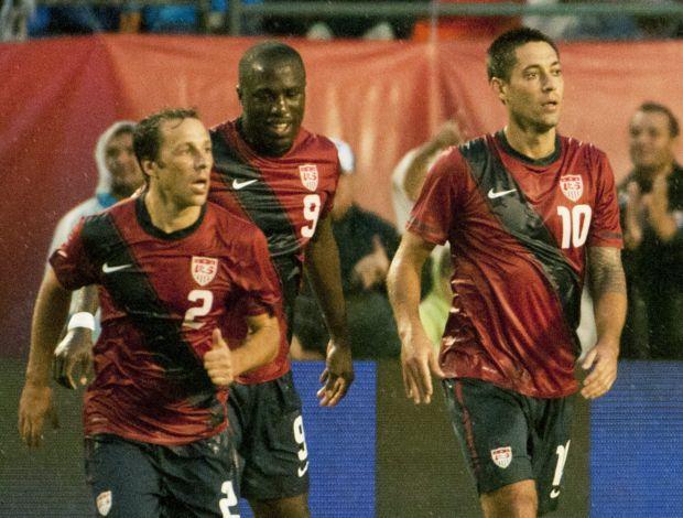 Dempsey comemora gol dos Estados Unidos contra Honduras (Foto: EFE)