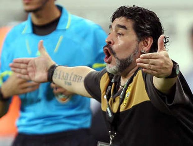 Maradona em jogo do Al Wasl (Foto: Reprodução/Olé.com.ar)