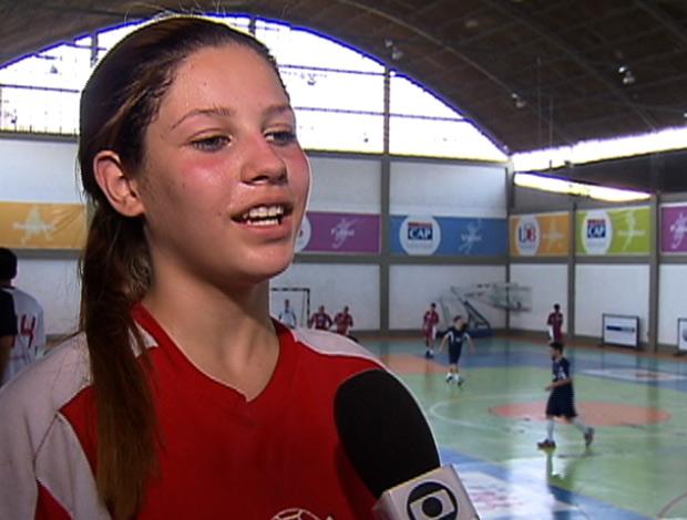 FRAME Ana Caroline Arruda - handebol intercolegial (Foto: Reprodução/SporTV)