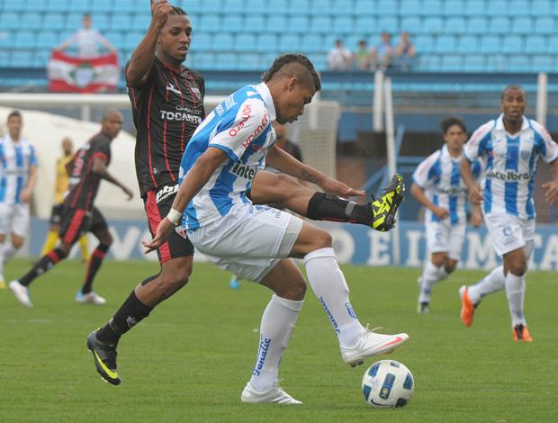 Avaí x Atlético-GO (Foto: Eduardo Valente/Futura Press)