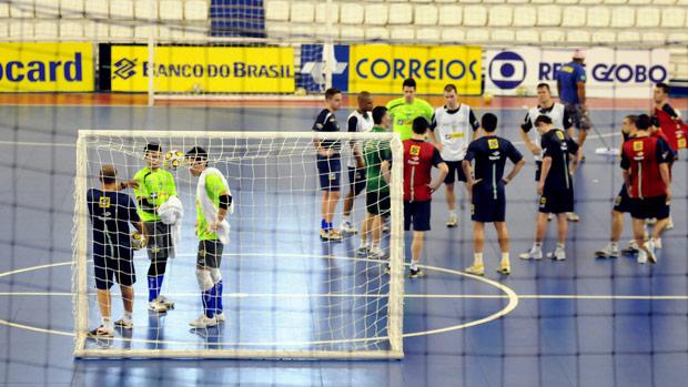 Seleção brasileira de futsal treina em Manaus (Foto: Luciano Bergamaschi/CBFS)