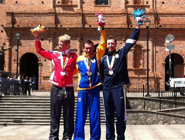 Pan-Americano - Pódio ciclismo de montanha masculino. Leonardo Páez, colômbia, medalha de ouro. (Foto: Divulgação/Twitter)