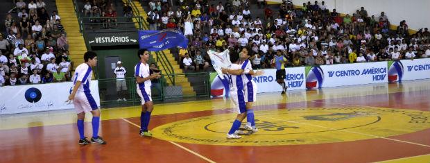 Padre Firmo vence (Foto: Ericksen Vital/GloboEsporte.com)