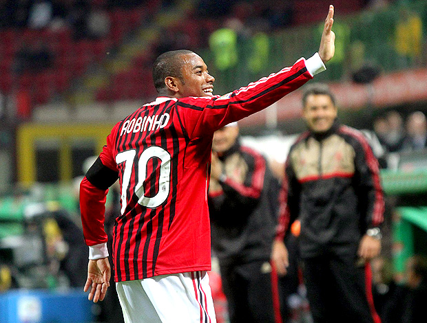 robinho milan gol palermo (Foto: agência EFE)