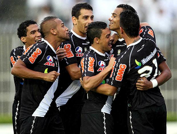 jogadores vasco gol atlético-mg (Foto: André Portugal / Fotocom.net)