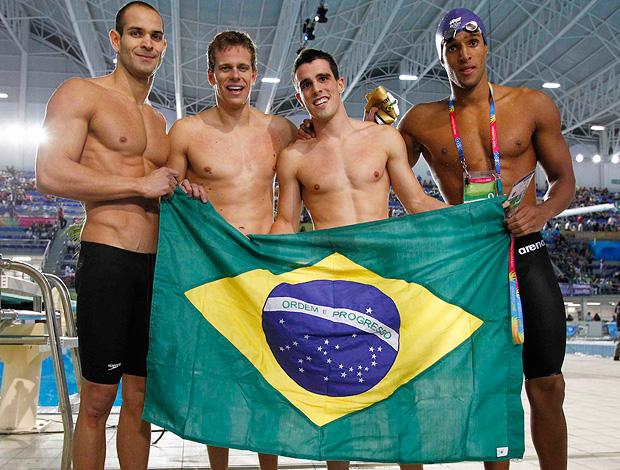 Brasil é ouro do 4x100m livre no Pan 2011