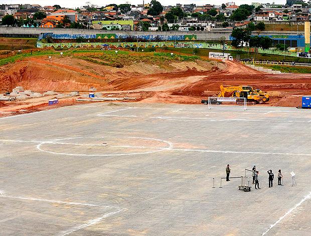 Obras no Itaquerão (Foto: Marcos Ribolli / Globoesporte.com)
