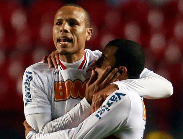 Luis Fabiano gol São Paulo (Foto: Reuters)