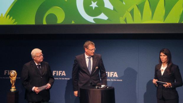 Ricardo Teixeira e Jerome Valcke no anuncio das sedes copa mundo e confederações na FIFA (Foto: Rafael Maranhão/Globoesporte.com)